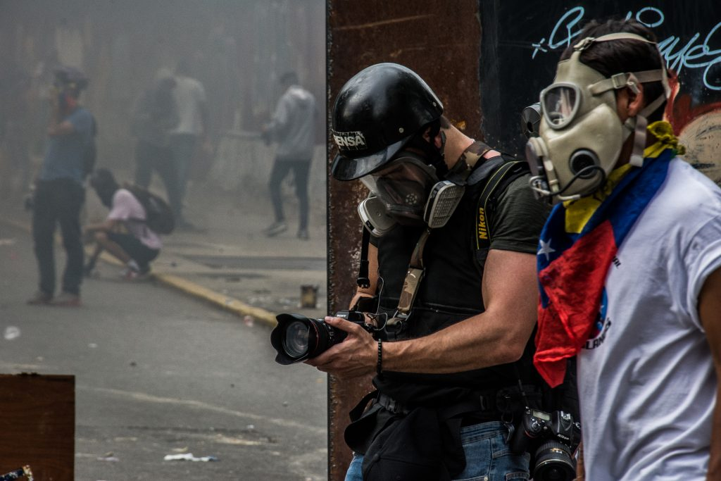 Jatar-by-Braulio-Jatar-Braulio-Jatar-NYC-17-shooting-during-Venezuelan-prostests5-1024x683